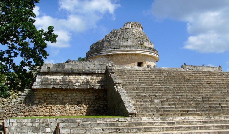 据说集齐13个玛雅人的水晶头骨会有神奇的事发生